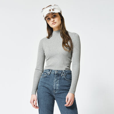 Turtleneck made of stretchy ribbed fabric