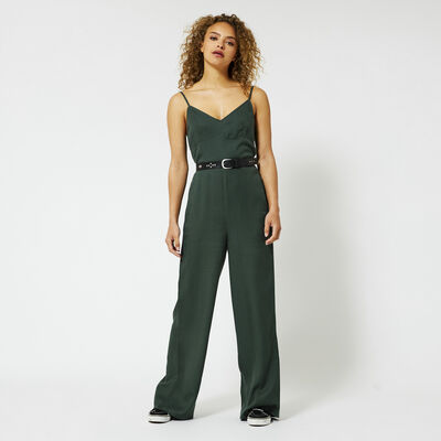 Jump suit with a V-neck