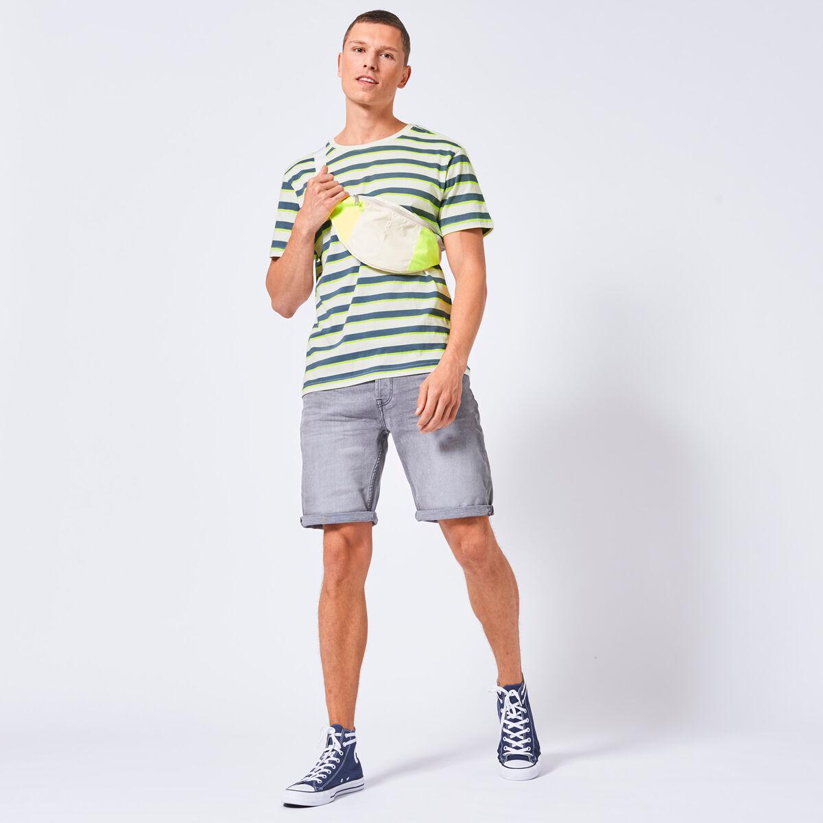 Eon stripe