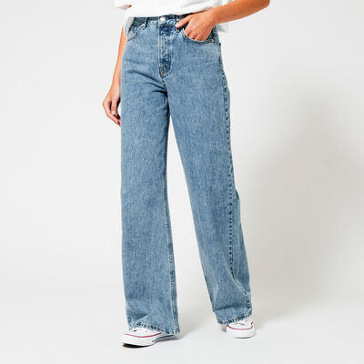 Wide fit jeans