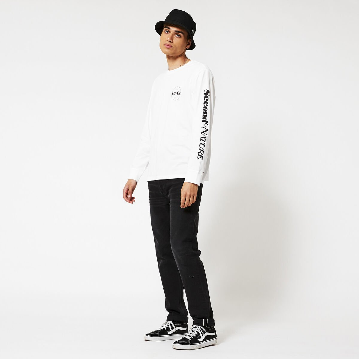 Long sleeve Relaxed LS graphic tee