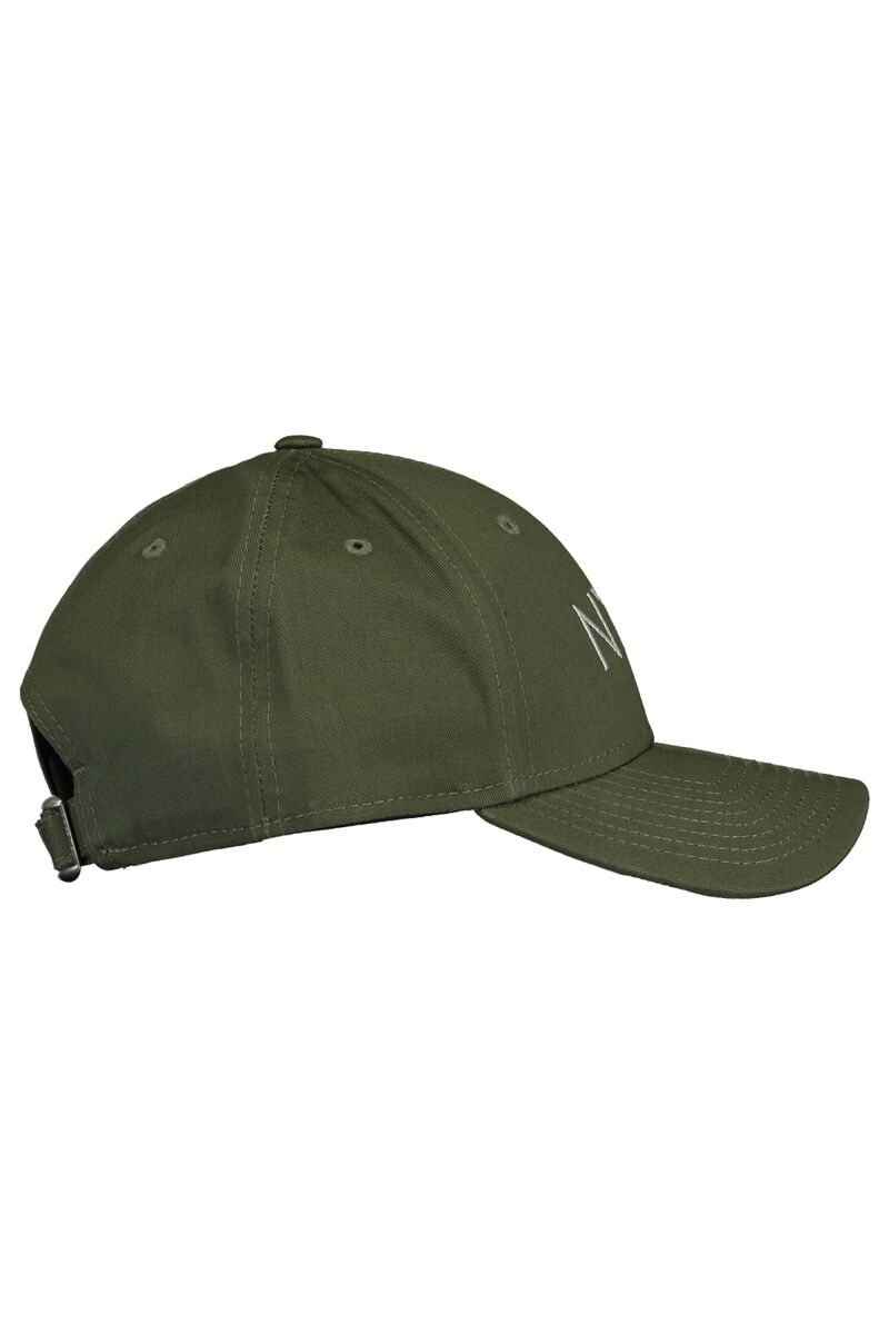 Cap Essential 9 Forty