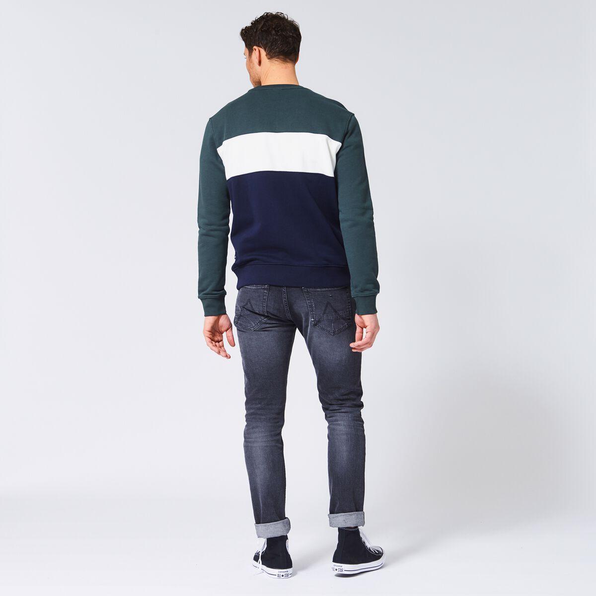 Sweater Sef block