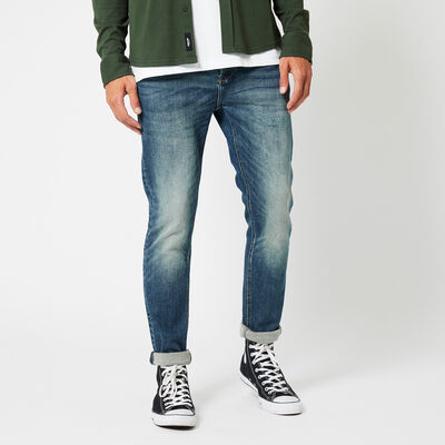 Slim fit jeans with dark wash