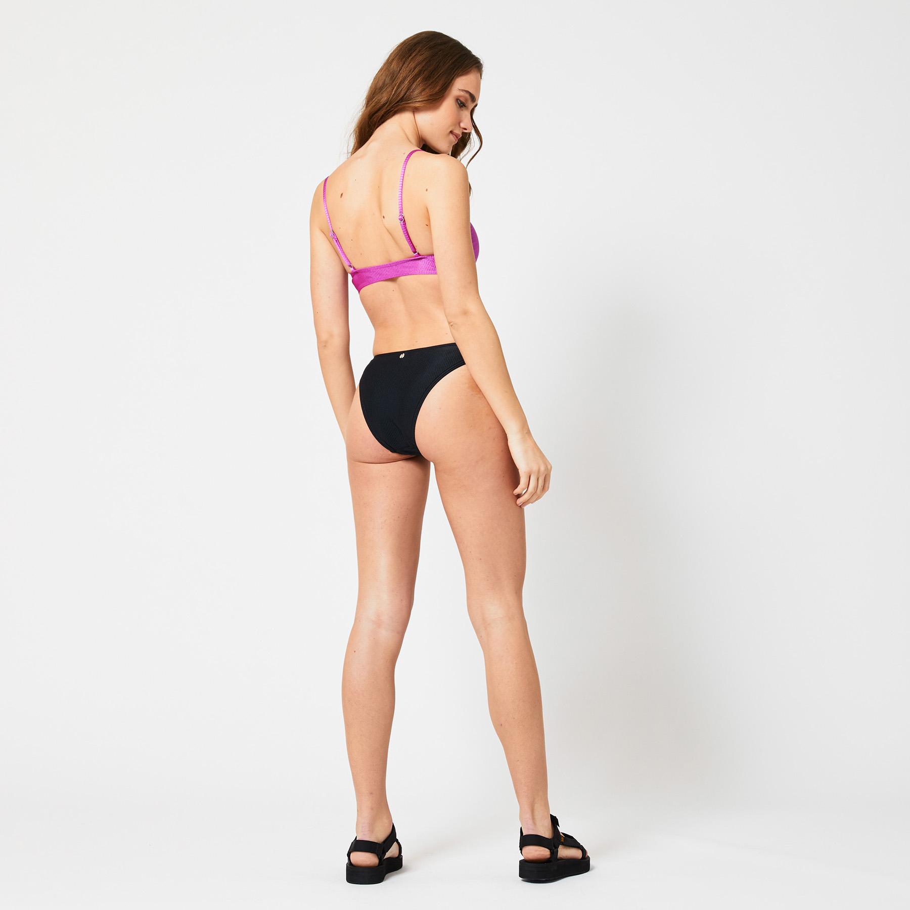 Bikini bottom Amy bottom