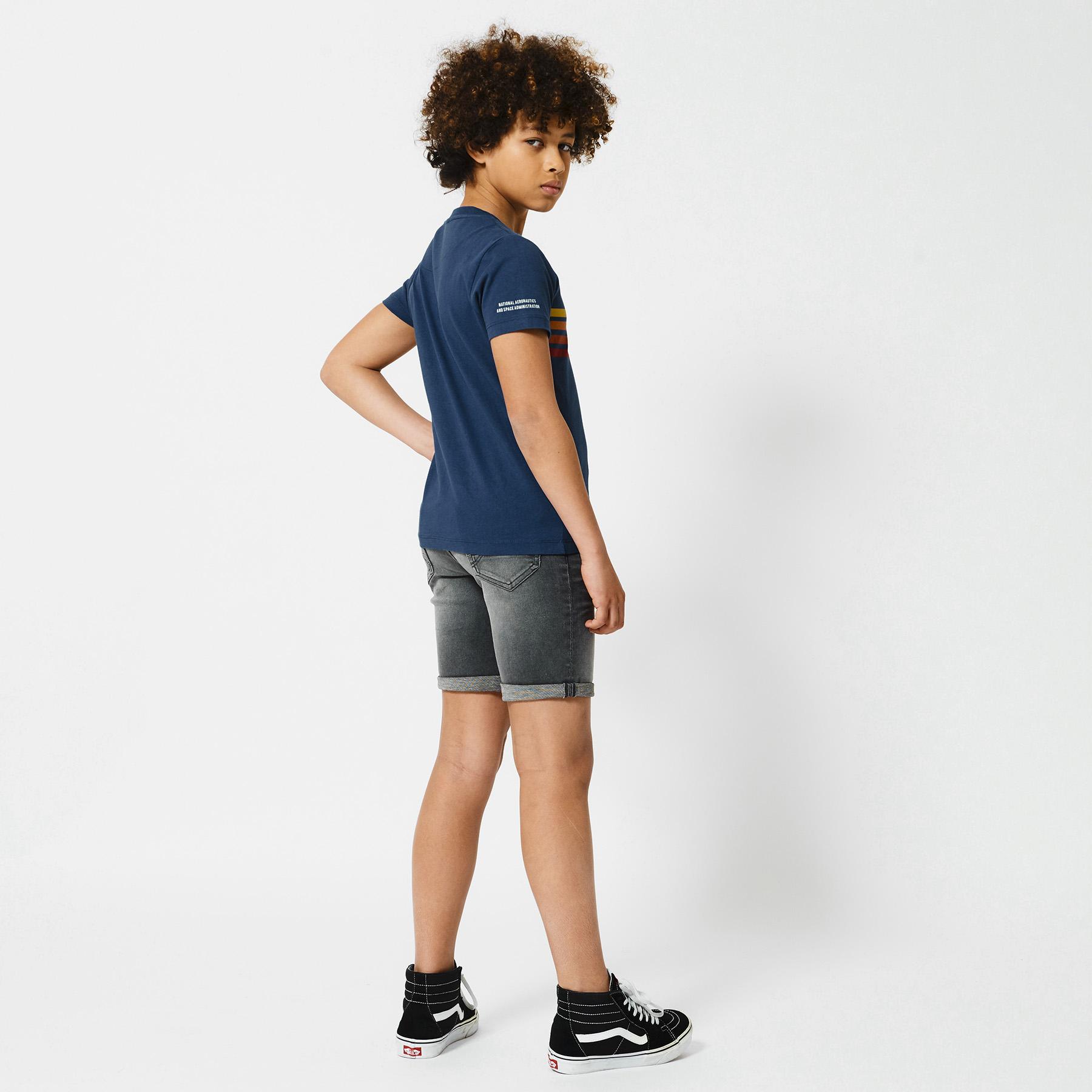 Short Robert jog Jr
